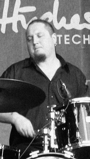 Сергей Петренко - барабаны